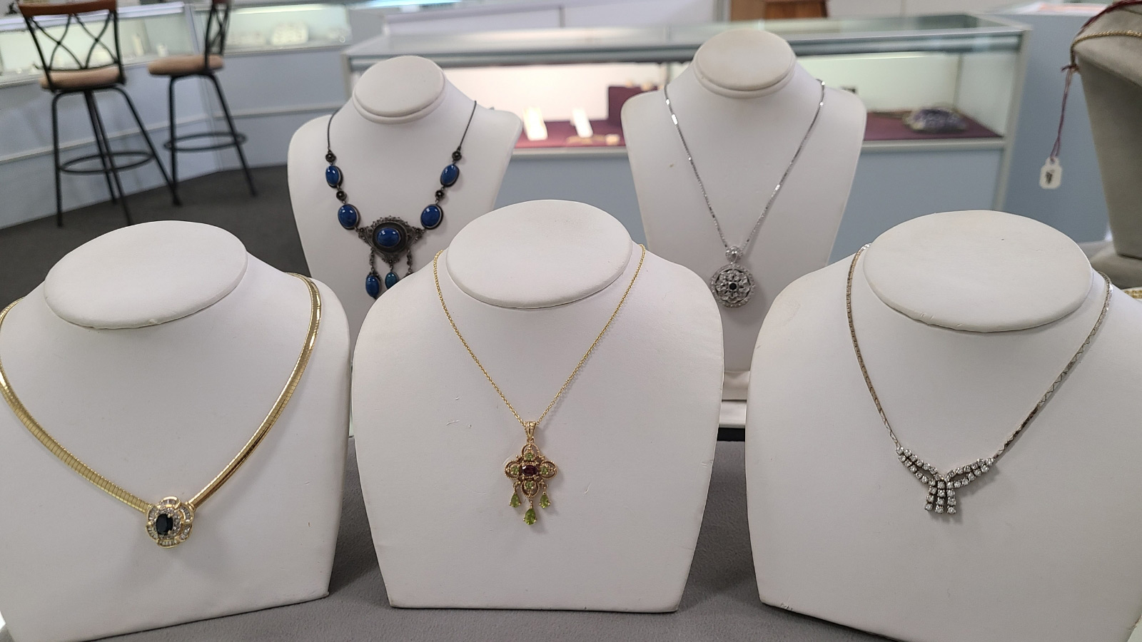 consignment necklace
